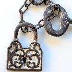Rustic Cast Iron Lock & Keys Ornament (3)
