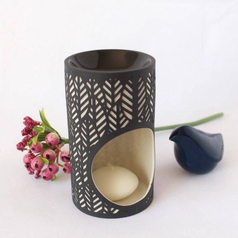 Tropical Leaf Pattern Black Porcelain Oil Burner
