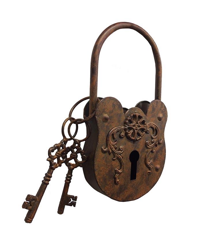 Large Rustic Metal Lock And Keys Ornament