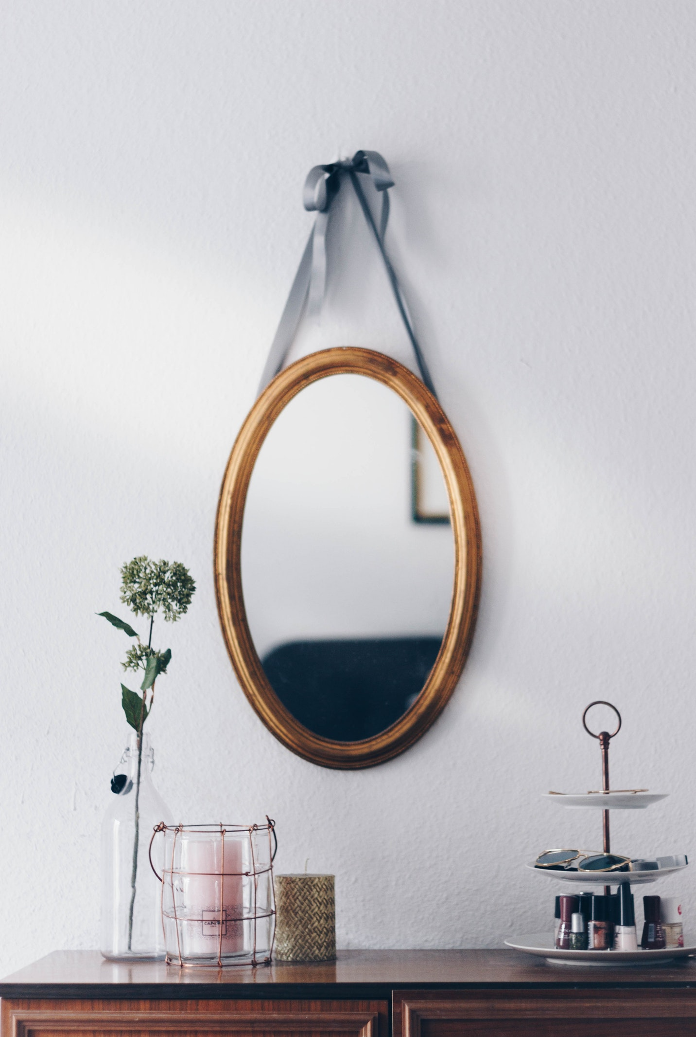 Shop beautiful antique and traditional mirrors at dalisay.com.au