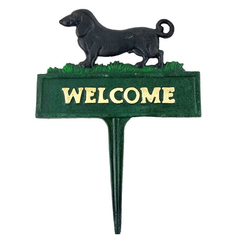 Black Dog Welcome Sign Cast Iron Metal Plaque