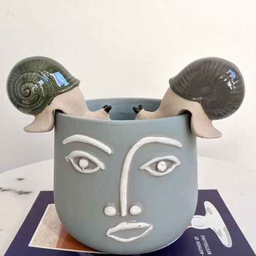 Snail Pot Sitter