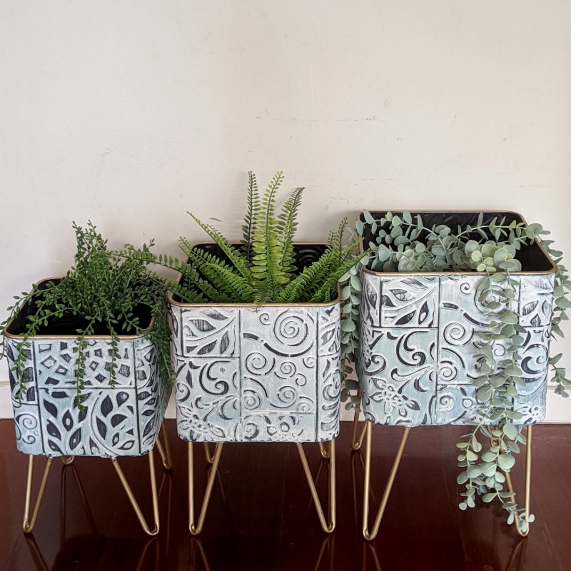 Hamptons Blue Pressed Metal Pot Planter - Set of 3